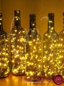 Luminária luzinhas em garrafa, da Encaixando Mimos