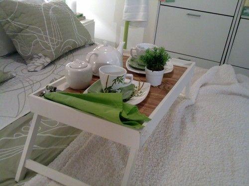 Café na cama com elementos ecológicos. Da Etna.