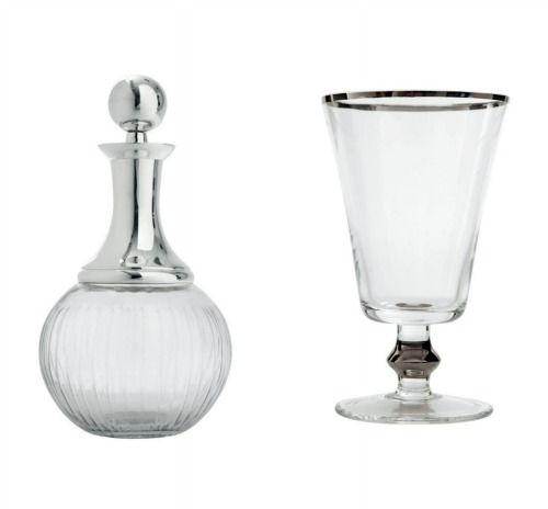 Taça e garrafa de vidro da linha bar da Le Lis Blanc.