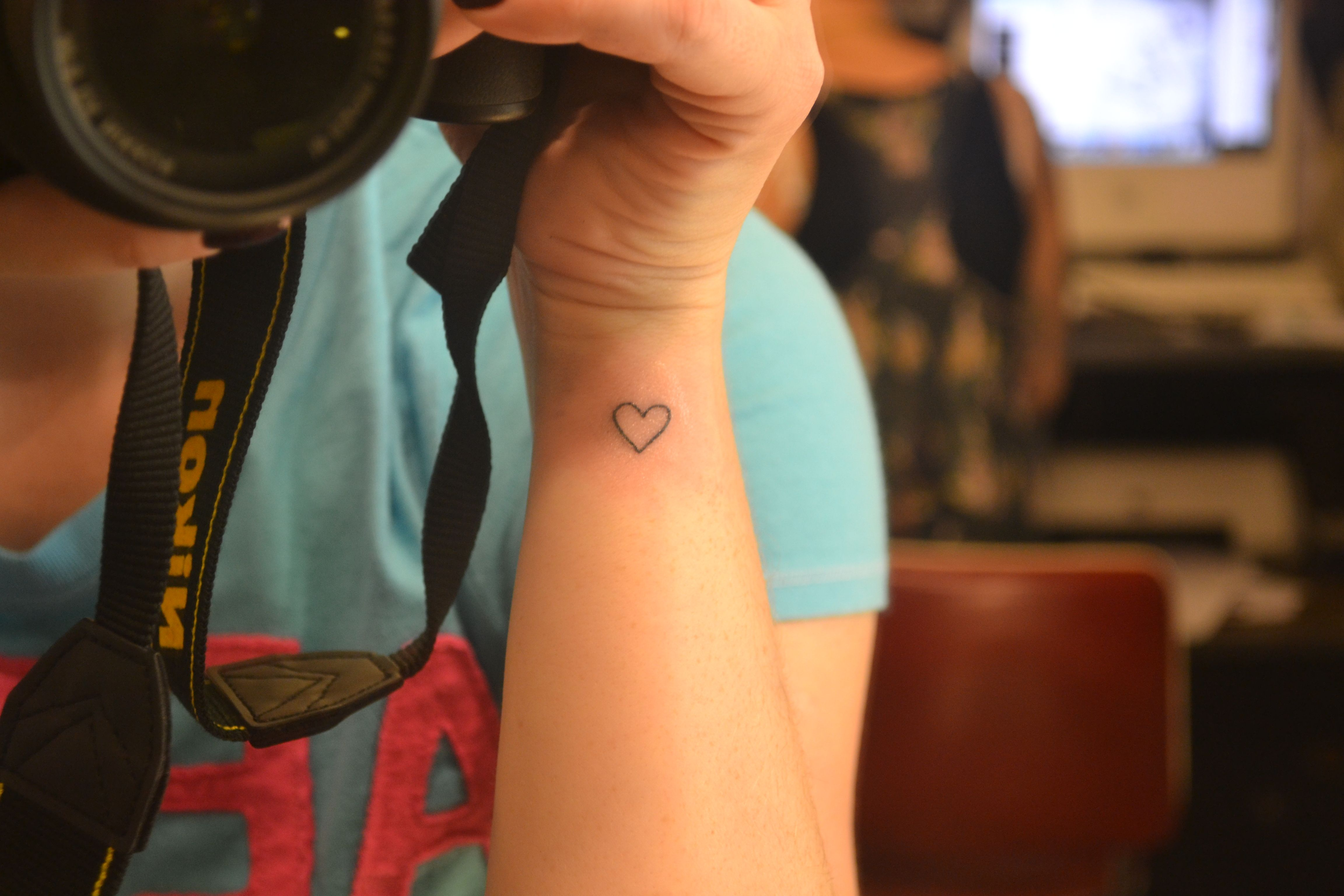 Tatuagem coração pulso.
