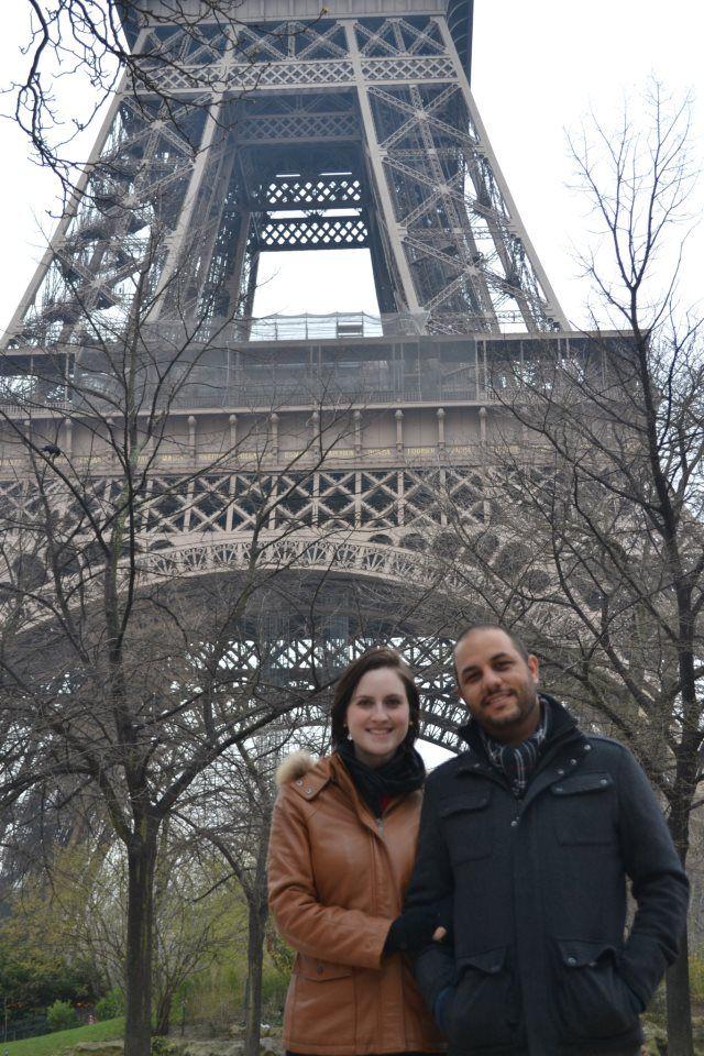 Cintia e Caue em Paris.