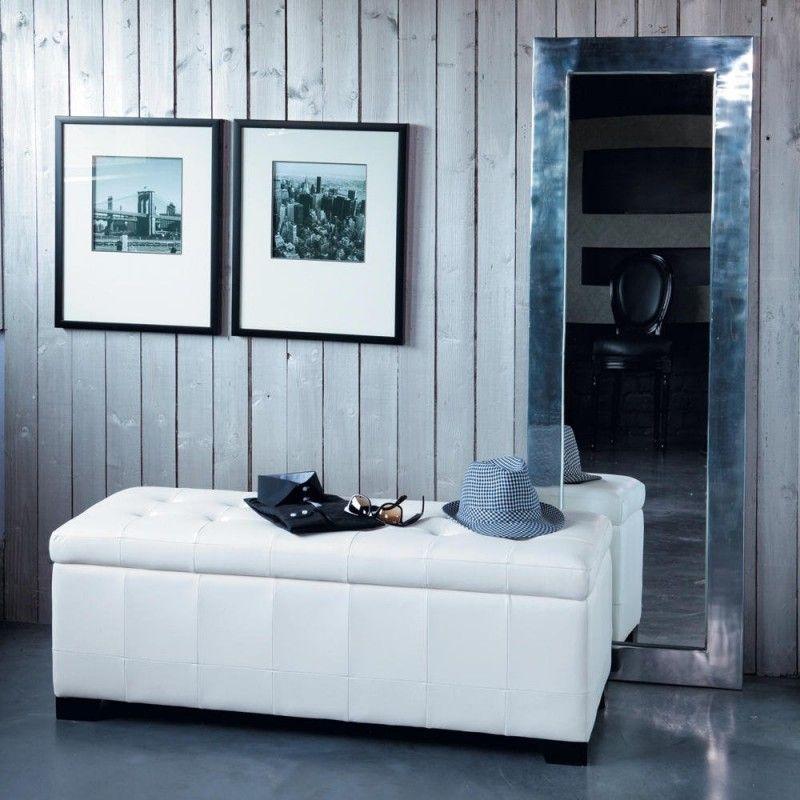 Decoração de casa: hall com banco, quadros e espelho. Foto: Maison du Monde.