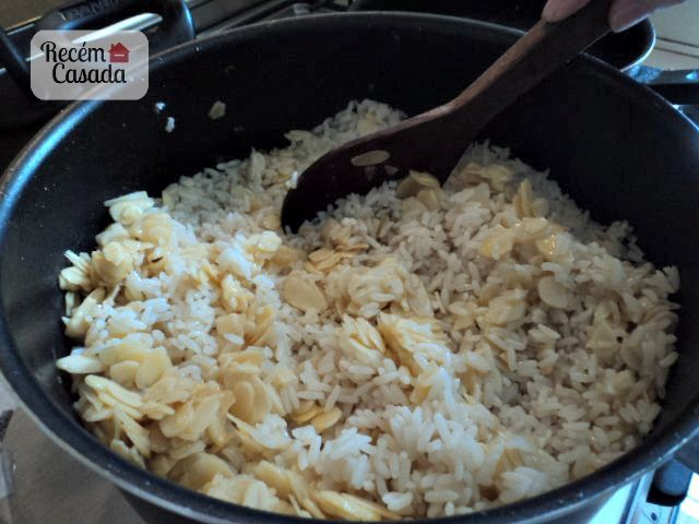 Receita de arroz com amêndoas