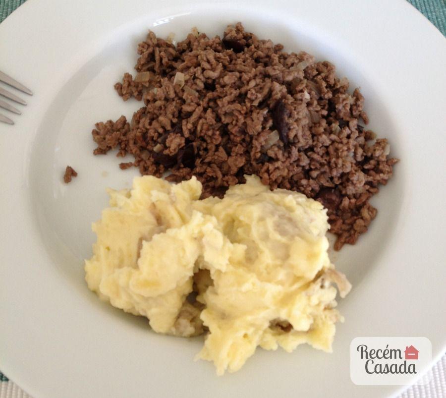 Receita de purê de batatas rústico com carne moída. Foto: Recém-Casada.