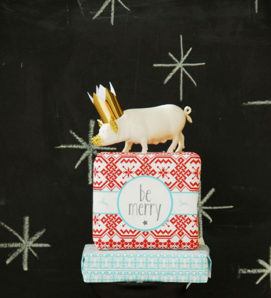 Papel de presente de Natal com tema natalino para imprimir do site Funky Time.
