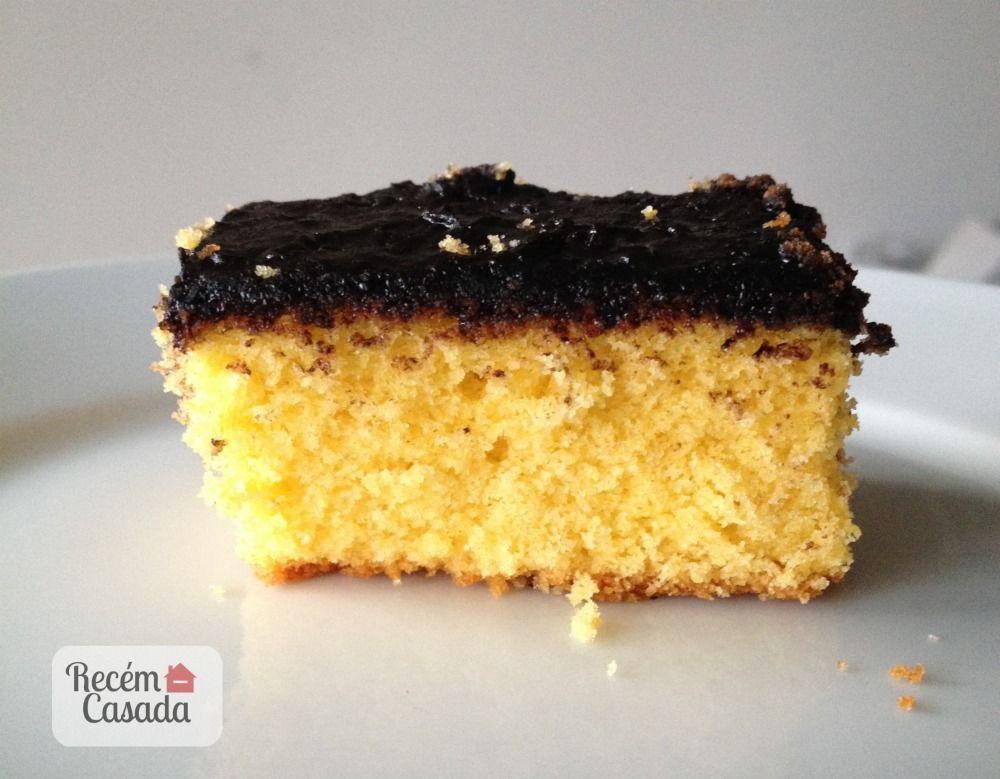 Receita de bolo de cenoura com cobertura de chocolate. Foto: Cíntia Costa/blog Recém Casada.