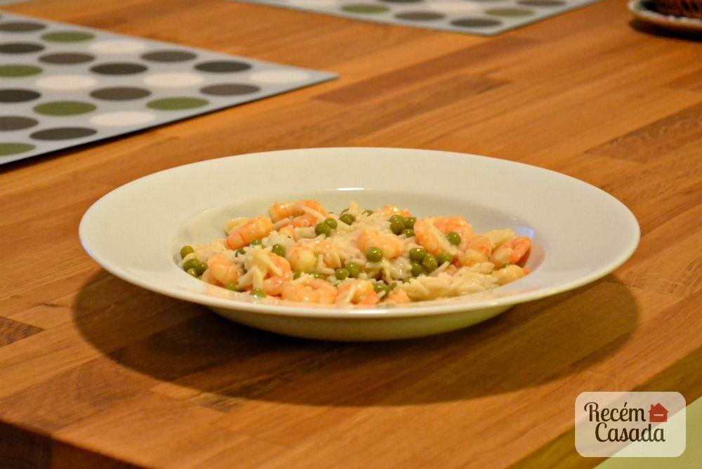 Risoto de camarão com molho branco e arroz basmati. Foto: blog Recém-Casada.