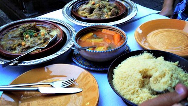 Comida marroquina: couscous e tajines. Foto: blog J'habite à Genève (www.jhabiteageneve.com).