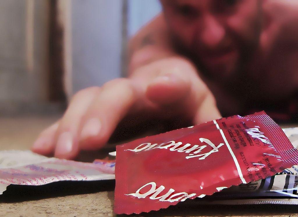 Camisinha/Condom. Foto: Darwin Bell