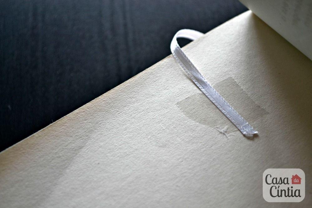 Marca páginas de fita de cetim. Foto: blog Casa da Cíntia.