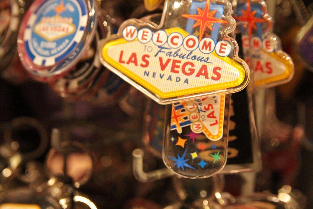 Chaveiros e souvenirs de Las Vegas. Foto: Steven Depolo em Creative Commons no Flickr.