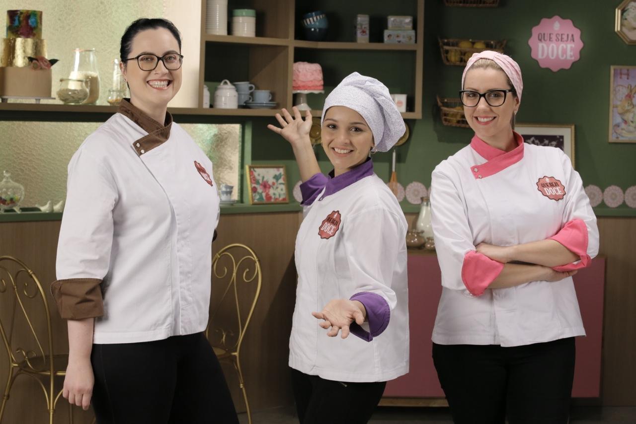 "Que Seja Doce GNT: Cíntia Costa e Greg no 8 episódio da 4 temporada tema Cuca. Adalberto de Melo ""Pygmeu""."