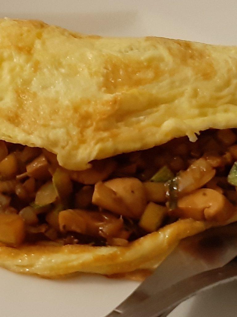 Receita de Omelete com Abobrinha, Champignon e Cebola ao Shoyu
